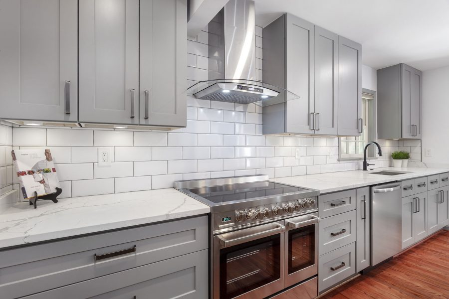Kitchen Backsplash – Ceramic Tiles