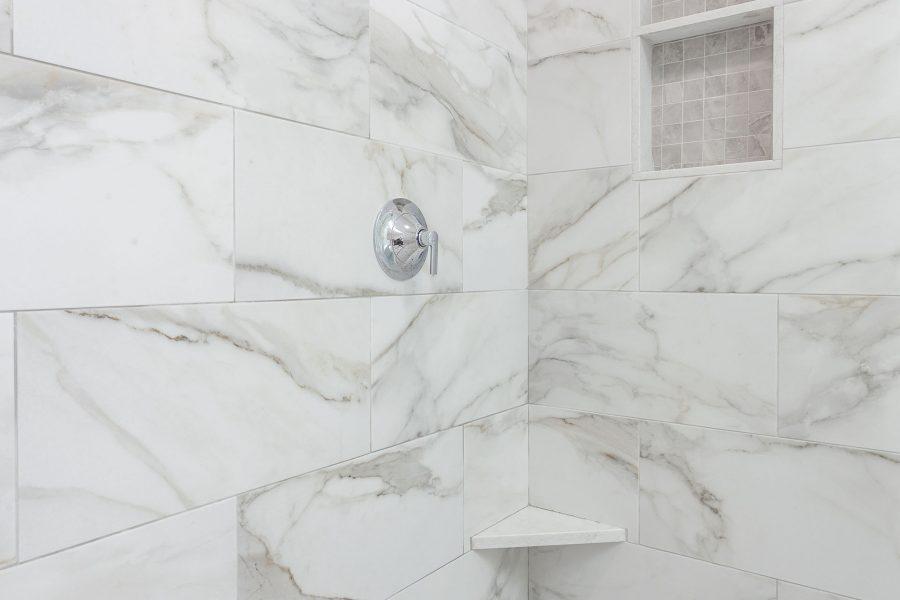 Ceracasa Vermont Gray Shampoo Niche Tile