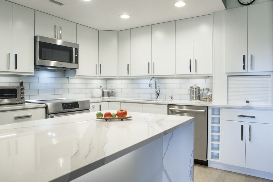 White Kitchen with Peninsula Island