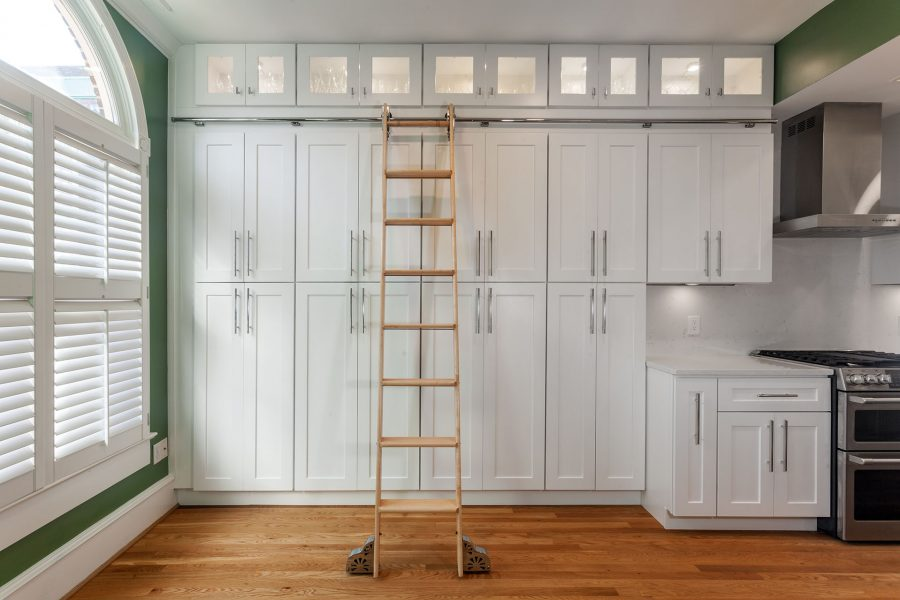 CSH Rolling Library Ladder in Maple Finish