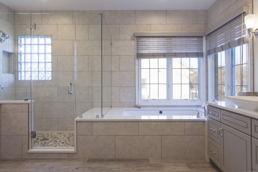 Wide Shower & Tub