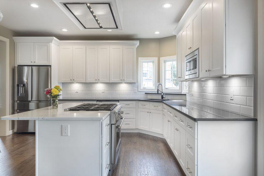White kitchen with plenty of contrast